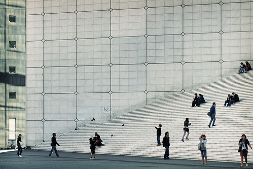 Grande Arche and People | by kirberich