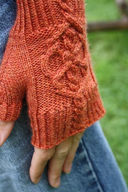 Skeleton Knitting Pattern : Skeleton Key Fingerless Gloves Flickr - Photo Sharing!