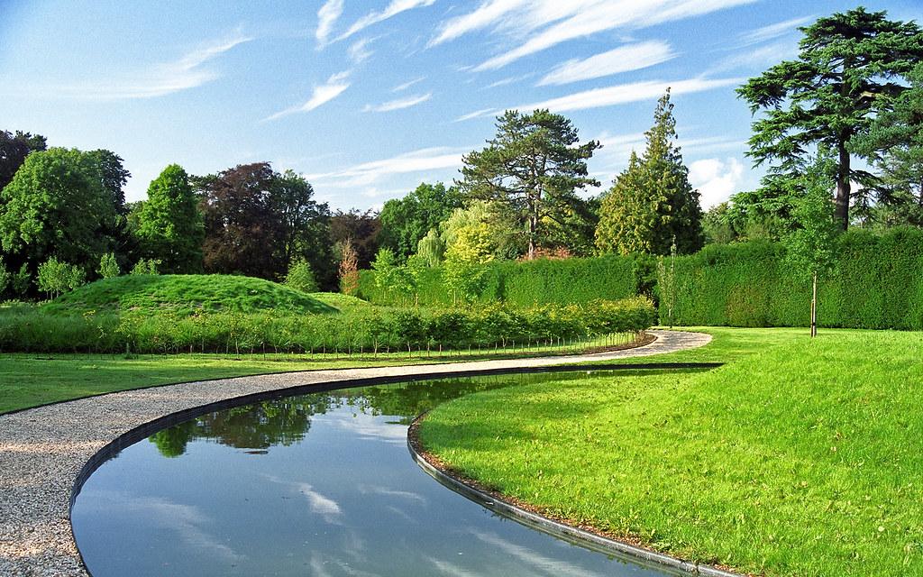 ascott house gardens buckinghamshire uk a view of land art in the lynn - Garden View