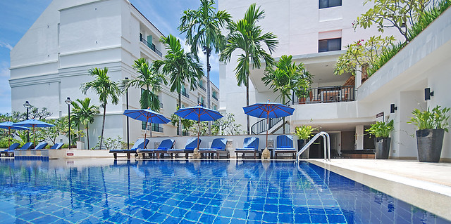 Salt water swimming pool flickr photo sharing - Hotels with saltwater swimming pools ...