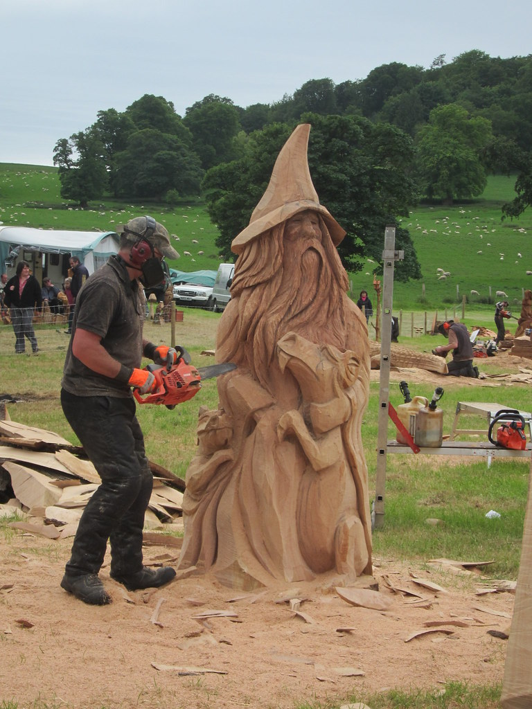 Chainsaw carving merlin woodfest more pics from