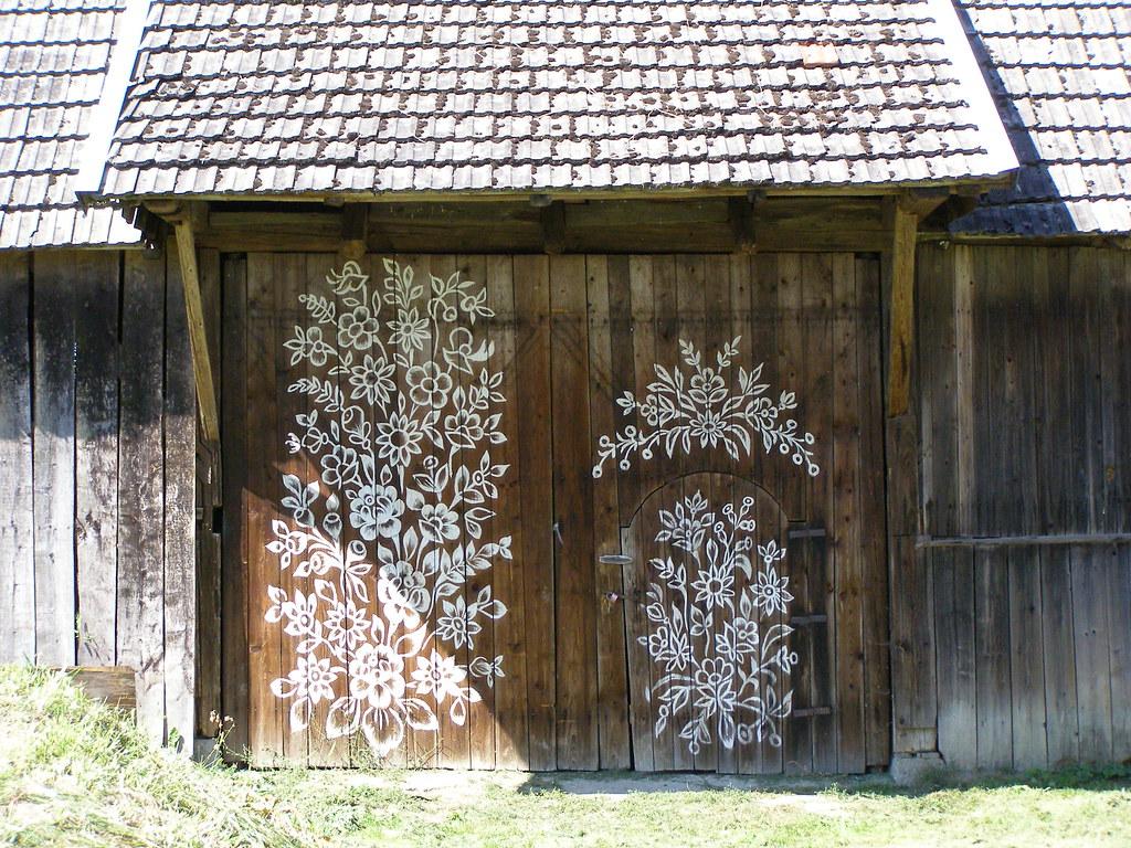 A little Village Zalipie in Poland will Flower up your Day