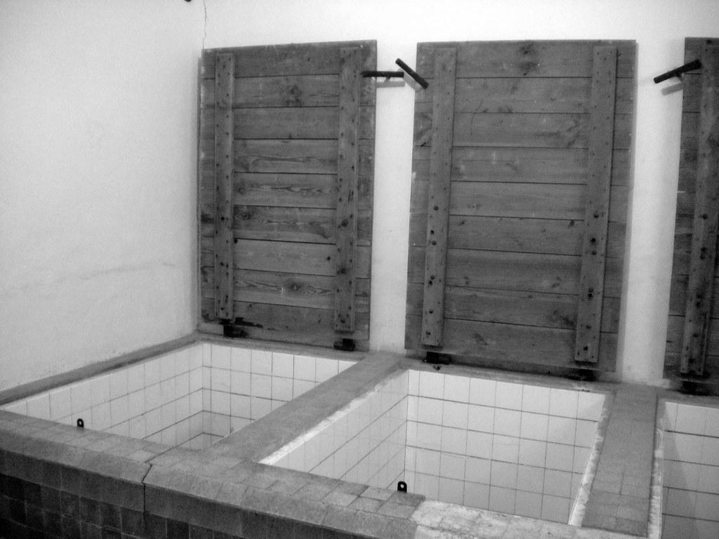 chambre gaz camp de concentration struthof natzweiler flickr. Black Bedroom Furniture Sets. Home Design Ideas