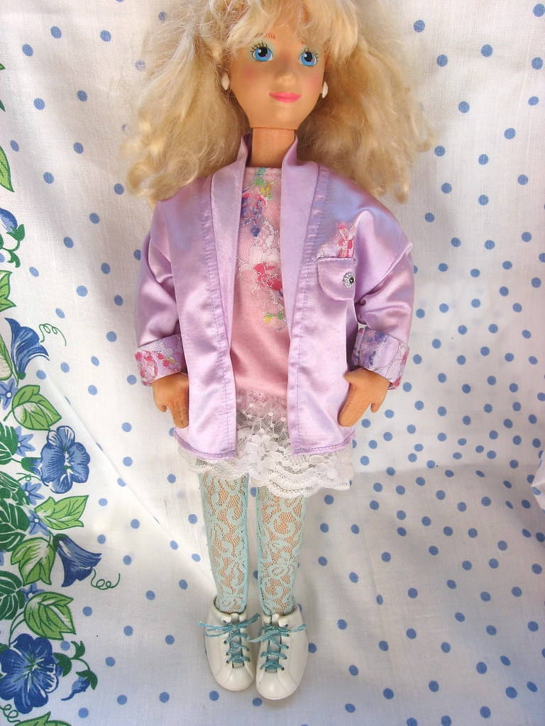 Mattel Hot Looks France Fashion Doll Mimi Cloth Body 1986