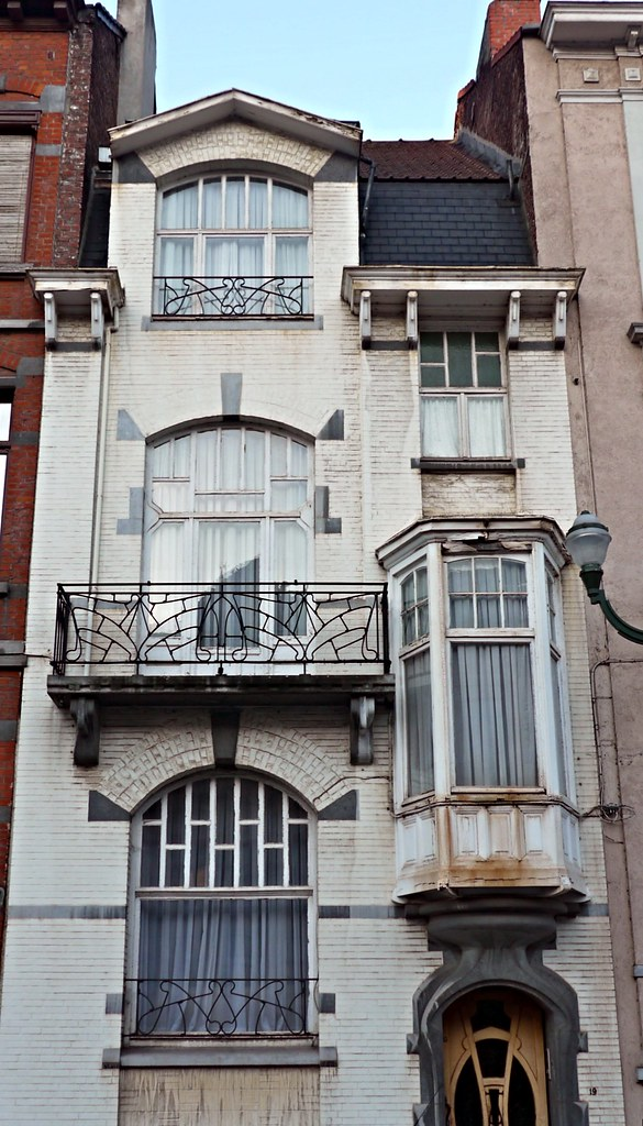 Bruxelles, Belgique: square Gutenberg, maison de style écl… | Flickr