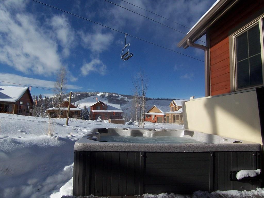 P122 private hot tub granby colorado ski vacation for Ski cabin rentals colorado