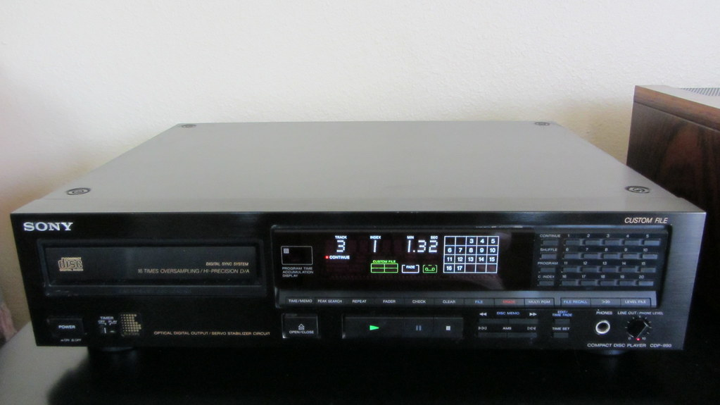 """Sony CDP-990 