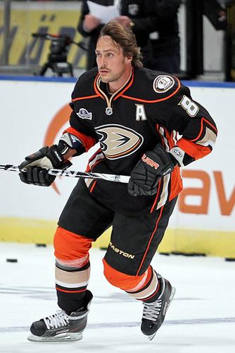 Teemu Selänne   Teemu Selänne of Anaheim Mighty Ducks during…   Flickr