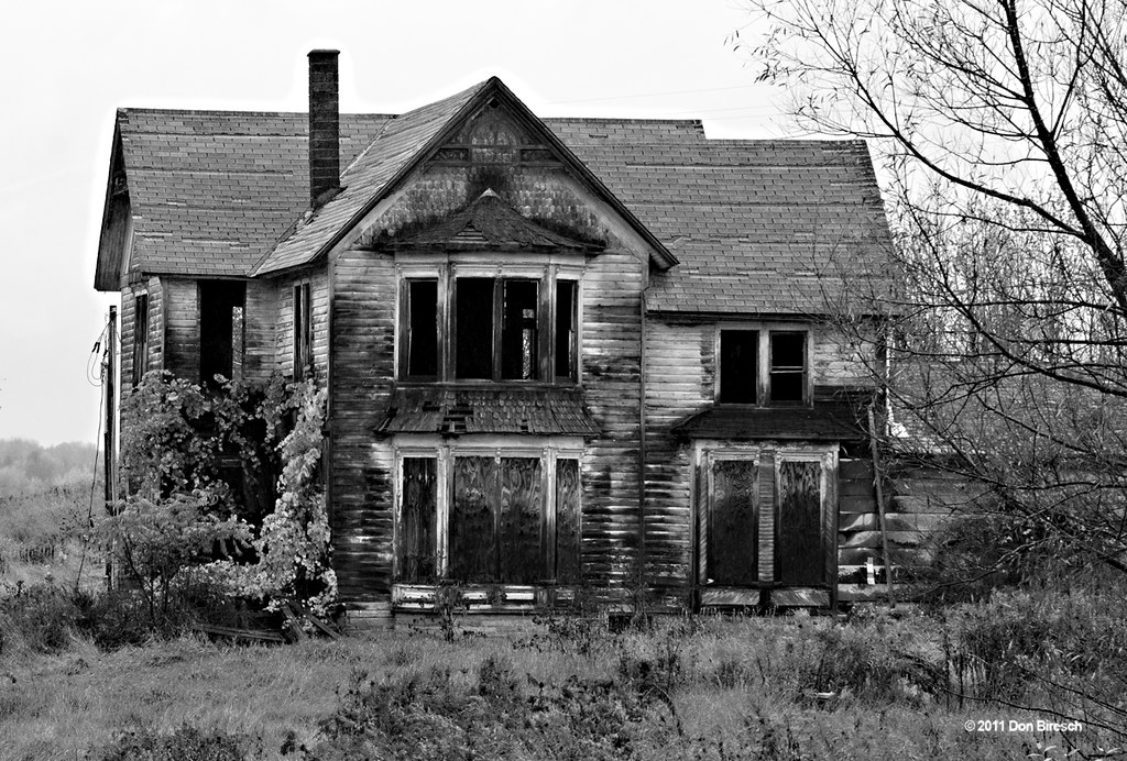 Abandoned house knoxville black and white abandoned Black and white homes