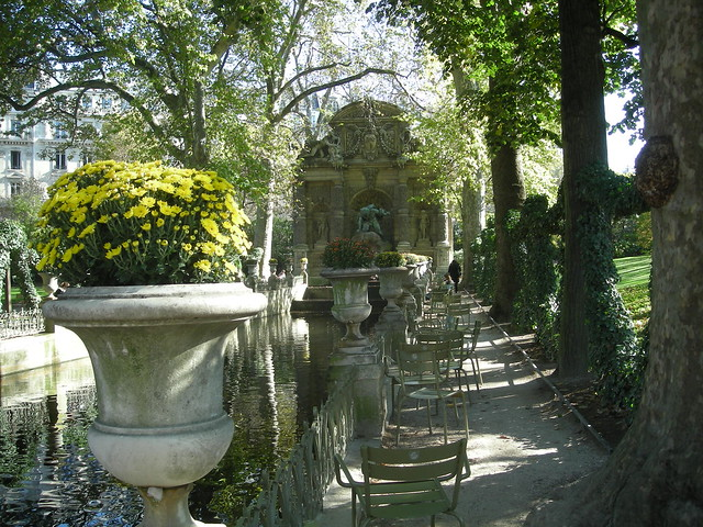 Une all es ombrag e longeant le bassin de la fontaine m dicis flickr photo sharing - Fontaine jardin du luxembourg ...