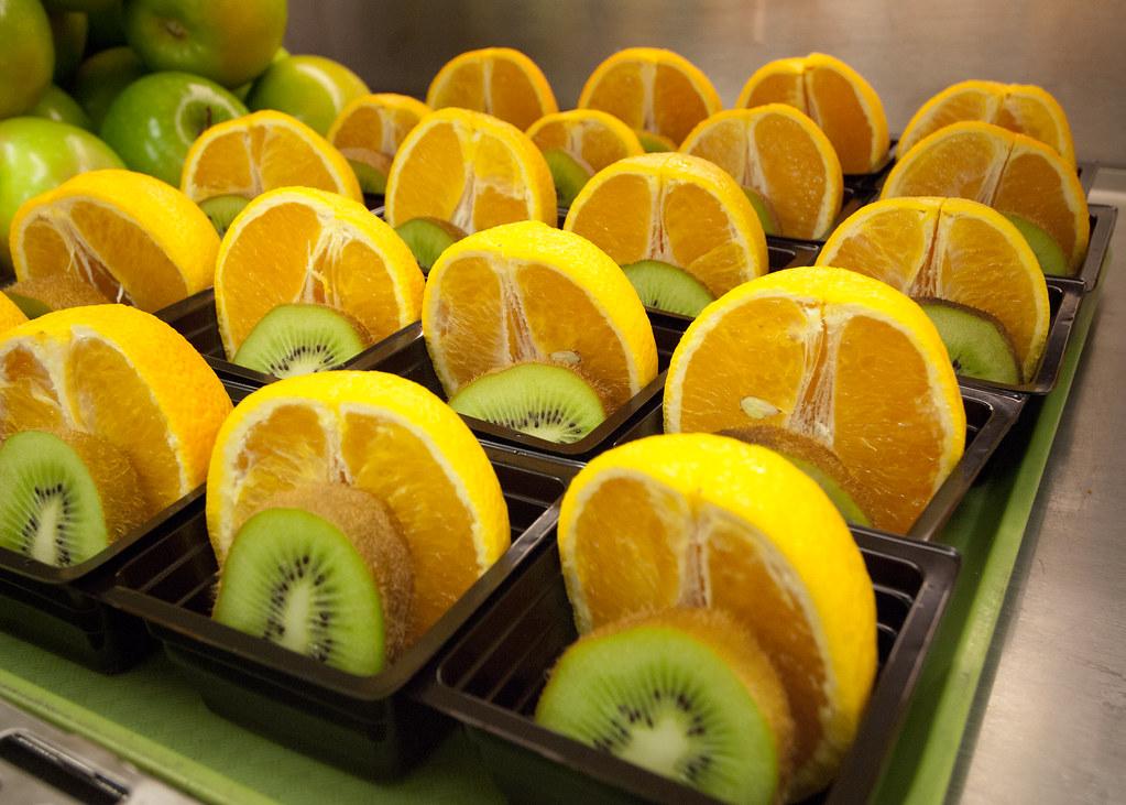 20111019 Fns Rbn 1642 Fresh Orange And Kiwi Fruit Cups