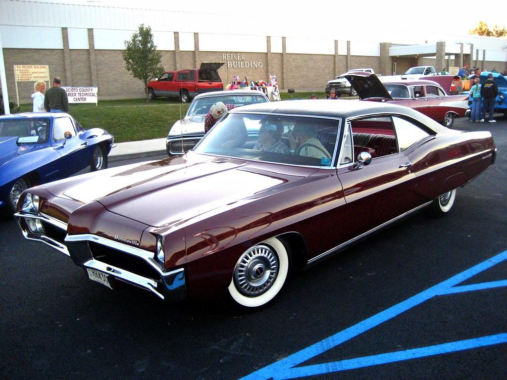 1967 Pontiac Bonneville Seen At The Scioto County Career