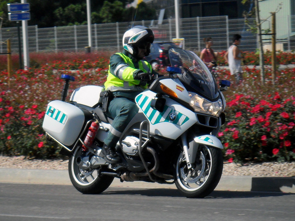 BMW 1200RT | By Emergencias ZGZ Guardia Civil Tráfico. BMW 1200RT | By  Emergencias ZGZ