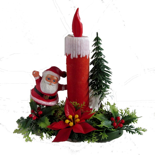 Left vintage kitsch christmas santa candle decoration for 7 candle christmas decoration