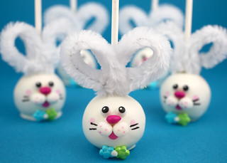 easter-bunny-cake-pops_IMG_0316 | by Bakerella
