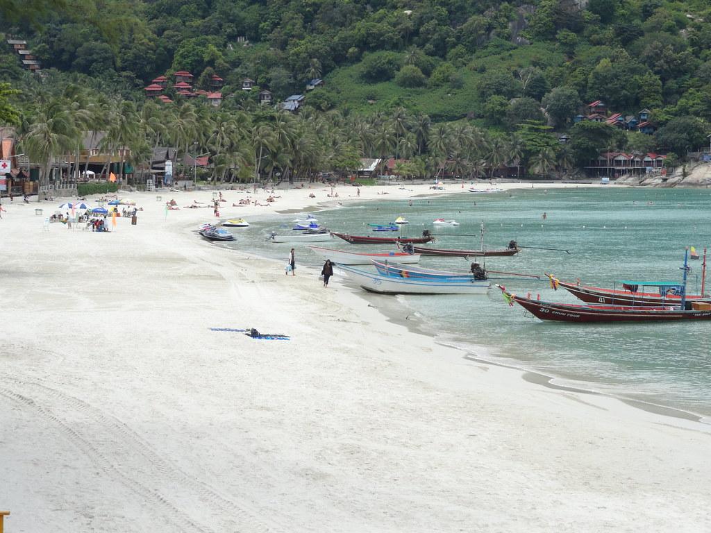 Koh Phangan, Haad Rin Sunrise Beach  La spiaggia di Haad ...