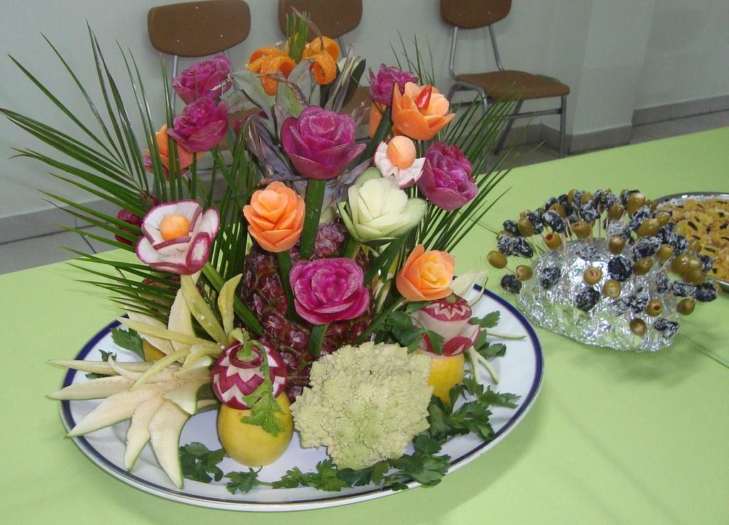 Decoraciones para centro de meza con tallado de vegetales for Como secar frutas para decoracion