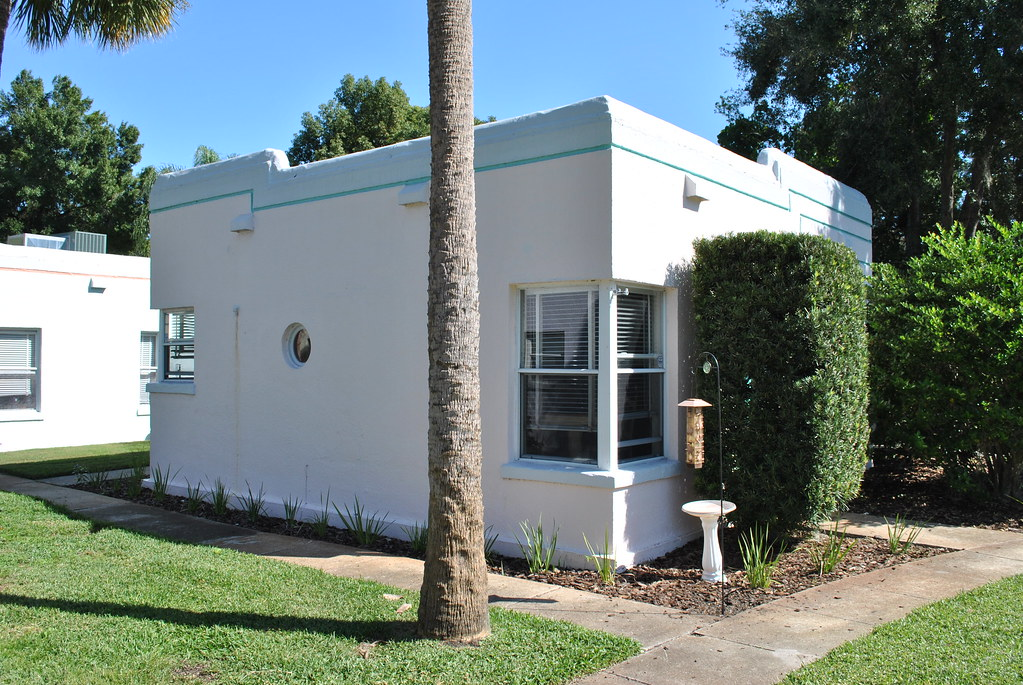 Streamline Moderneart Deco Bungalows In Orlando Yet Anoth Flickr
