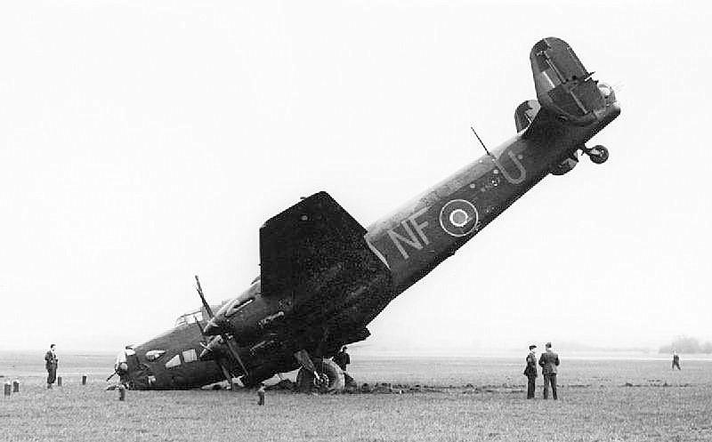 Photo Page: Handley Page Halifax B Mark II, W1007 'NF-U', Of No. 138