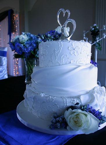 wedding cake makers saskatoon blue suede sugar moon cake co saskatoon sk brenda 23198