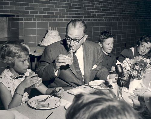 Secretary_Benson_ drinking_milk_October_1956 | by USDAgov