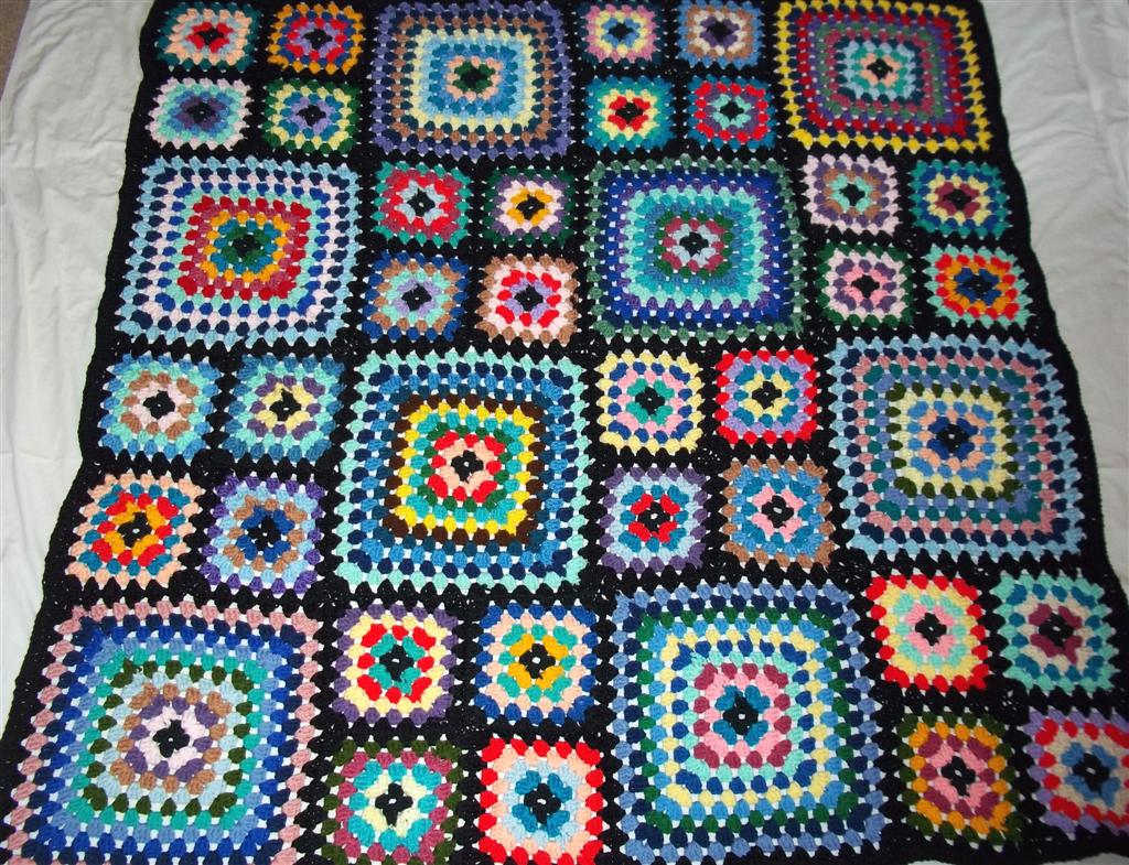 Crochet Granny Square Afghan | Black-bordered granny square … | Flickr