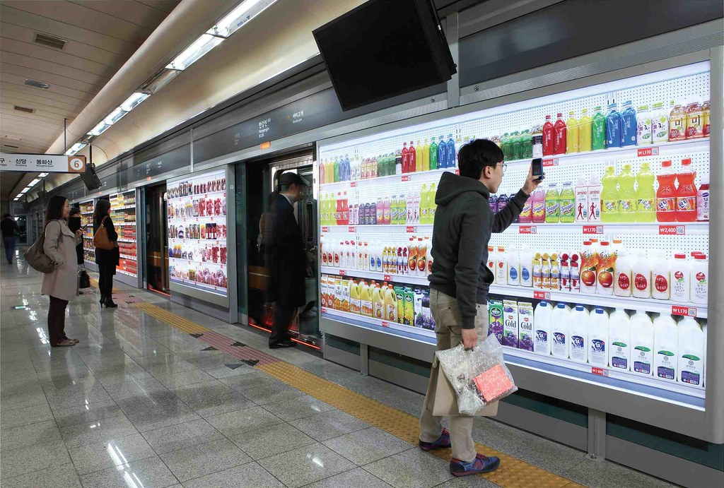 Image : Tesco Homeplus Subway Virtual Store in South Korea