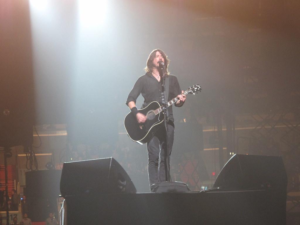 Foo Fighters Chords & Tabs : 1641 Total @ Ultimate-Guitar.Com