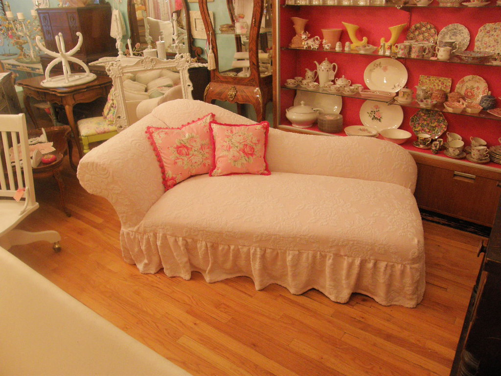 pink roses chaise lounge shabby chic chenille bedspread sl flickr. Black Bedroom Furniture Sets. Home Design Ideas