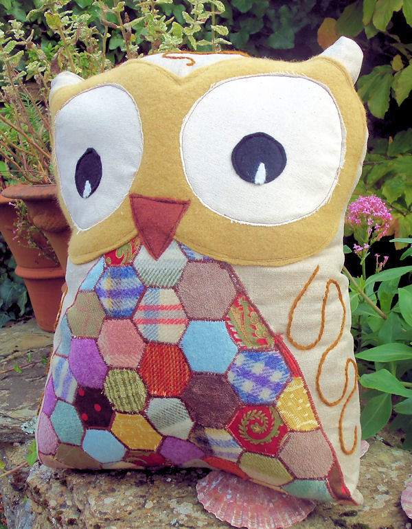 Hoots the Baby Owl 1 | Free pattern for Bustle & Sew readers… | Flickr