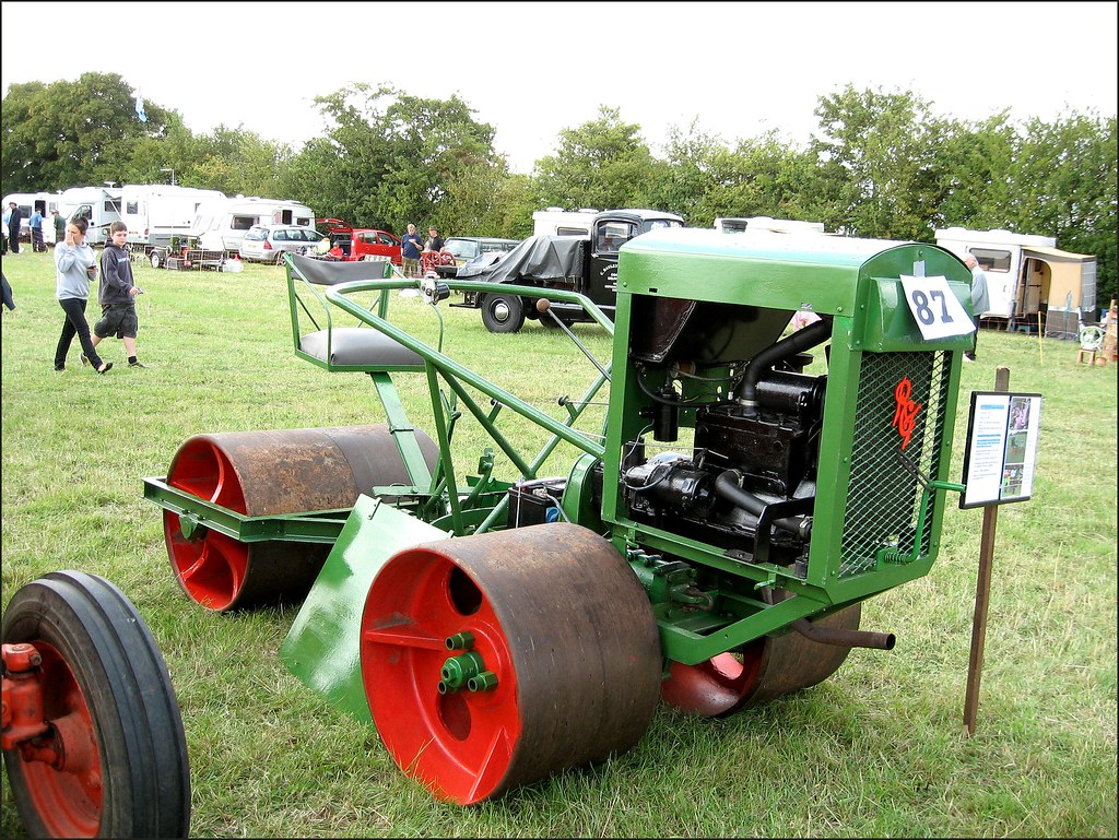1950 Patterson 3360 Cricket Pitch Roller Powered By A