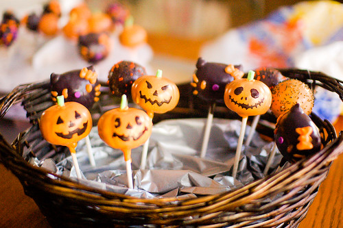 Halloween Cake Pops | by Yano