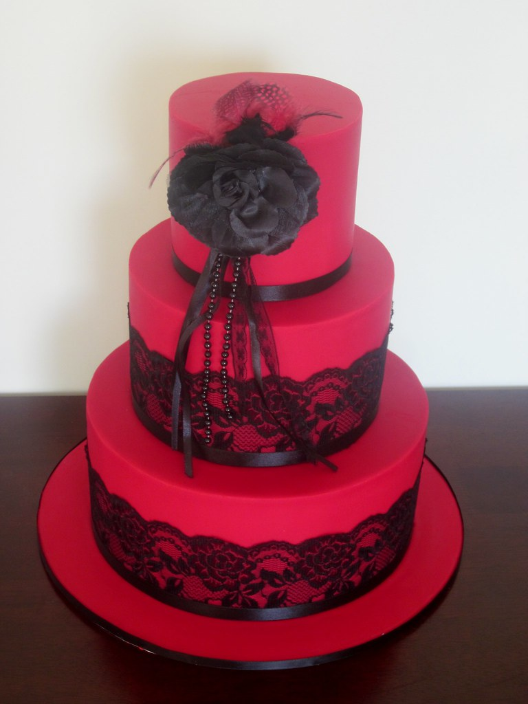 Red - Black Lace Wedding cake.  A picture of a similar desi…  Flickr