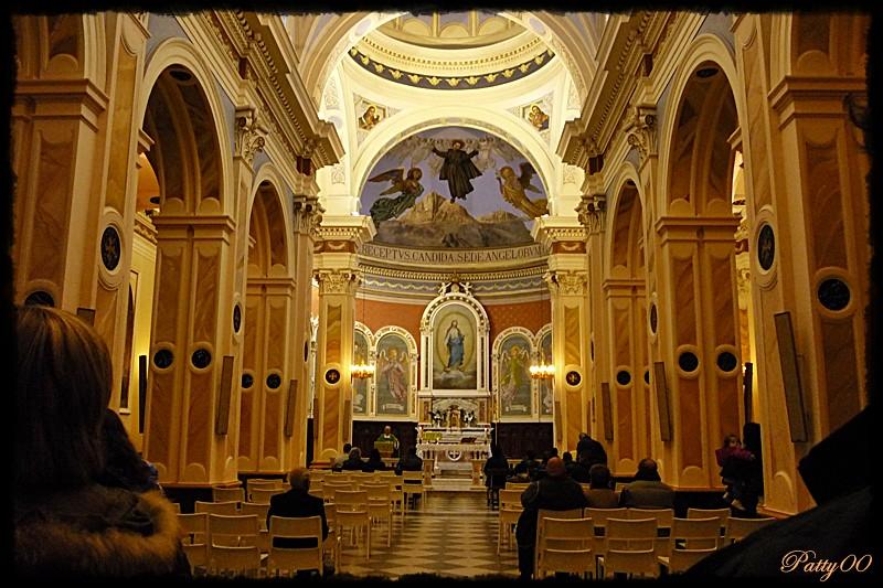 Santuario di san gabriele interno della chiesa antica flickr for Interno delle piantagioni del sud