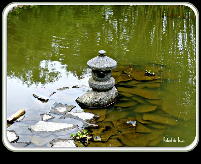 Escultura japonesa jardin botanico lankester japanese for Jardin lankester