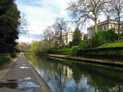 London / Grand Union Canal: Villas near Regent's Park (2) | by marc_vie