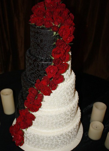 Black and white wedding cake its a piece of cake flickr for Unique black and white wedding dresses