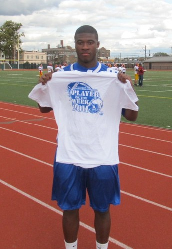 NFLer Jihad Ward (Bok Tech), displaying his Player of the Week T-shirt in 2011 | by tedtee308