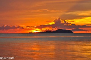 A closer view of Baguan Island's sunset taken a few minutes earlier... | by Beachmite