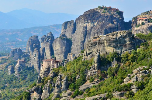 Meteora -Monasteries of St. Nicholas Anapausas, Rousanou, Great Meteoron and Varlaam (from left to right) | by Lanka005