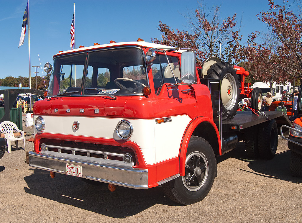 Ford C-Series cabover truck with a restored Ford tractor o… | Flickr