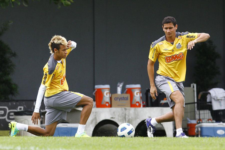 Neymar Jr. e PH Ganso | Foto: Ricardo Saibun/Santos FC ...