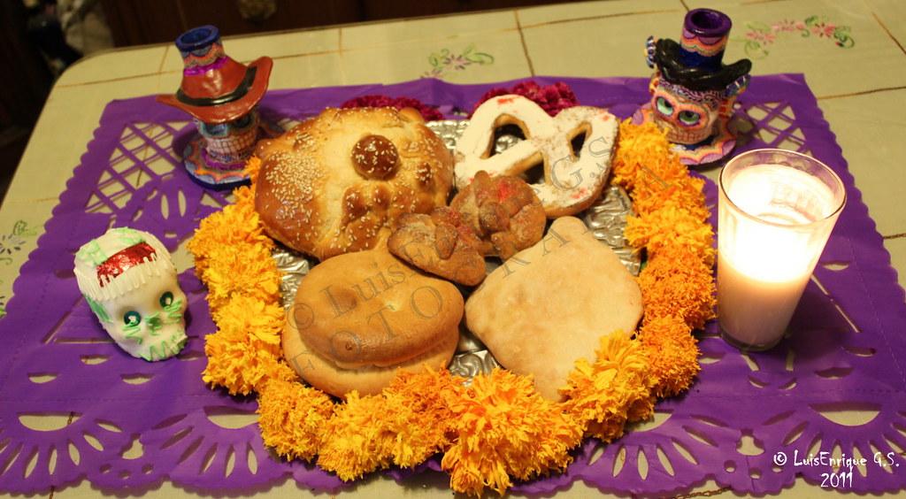 Pan de Muerto (Hojaldra con Ajonjolí, Rosquete, Liso, Hoja ...