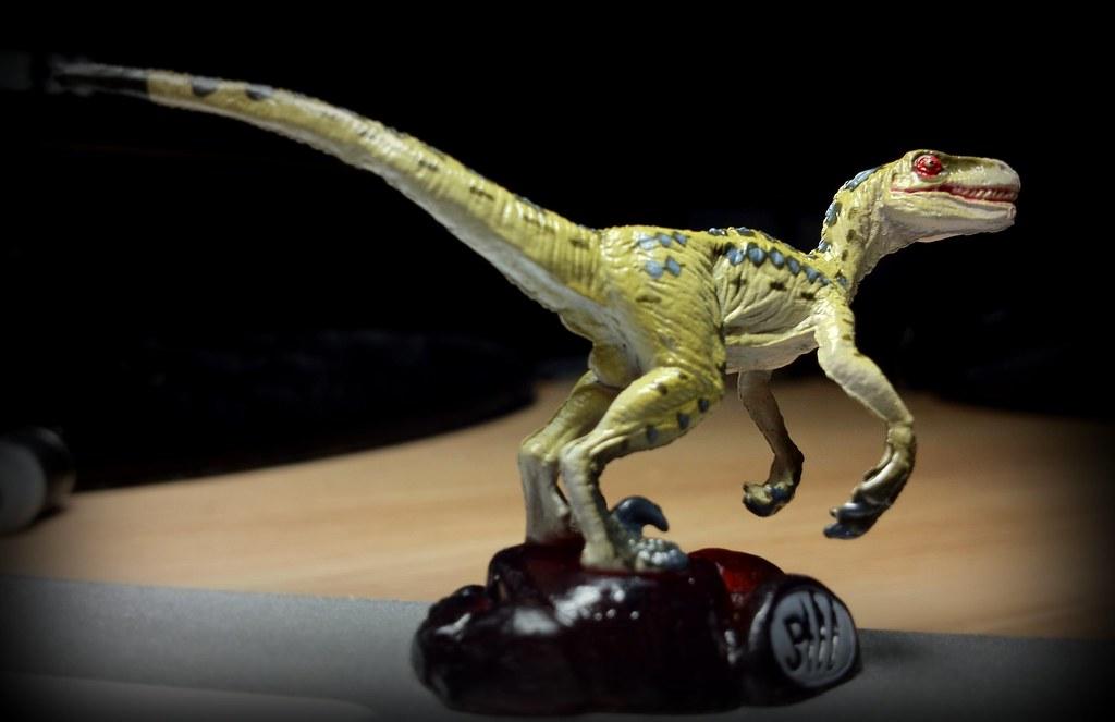 Jurassic Park 3 Velociraptor Toy Velociraptor (female) ...