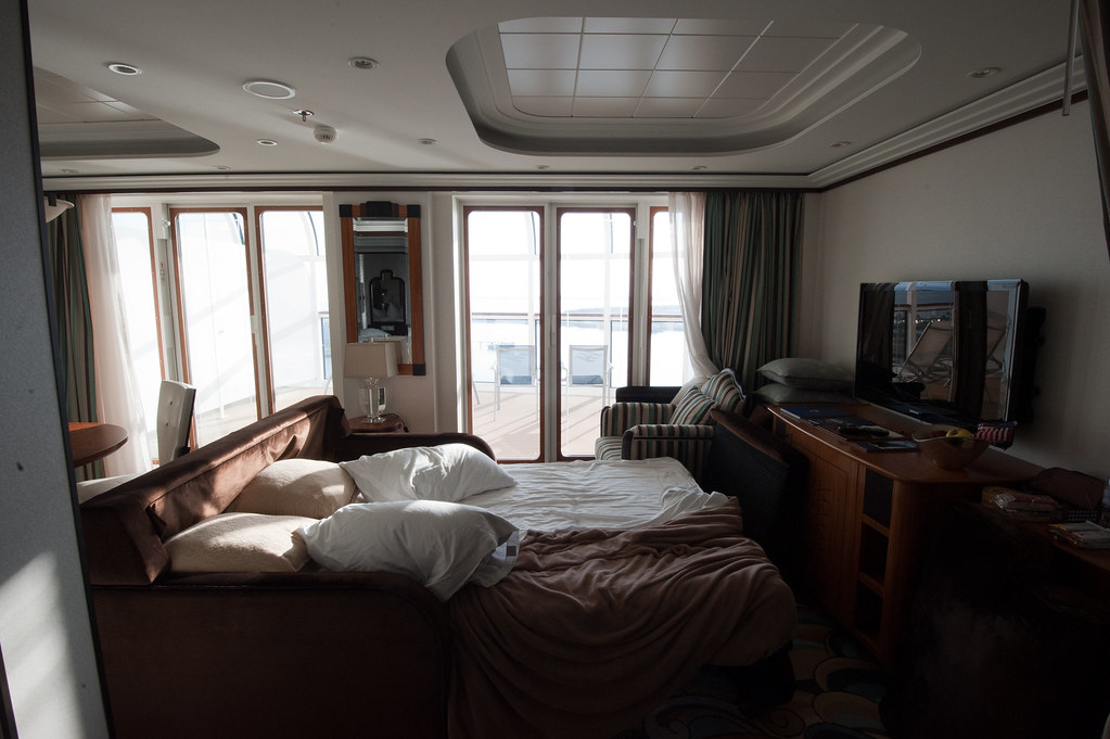 Disney Dream Stateroom 11002 (2/4) | Living Area For Joel091 ...