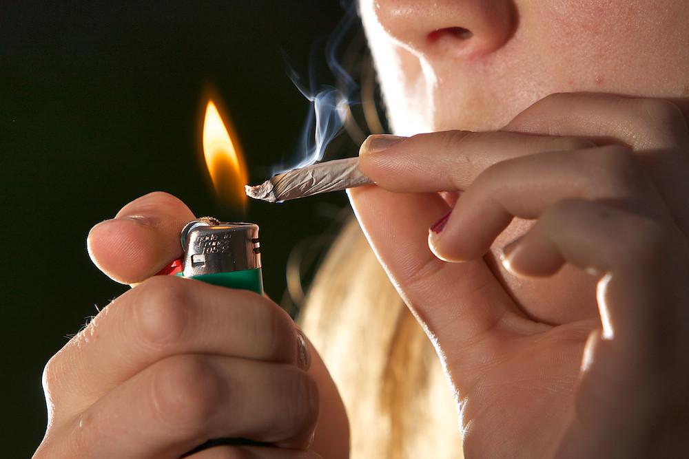 תוצאת תמונה עבור smoking pot