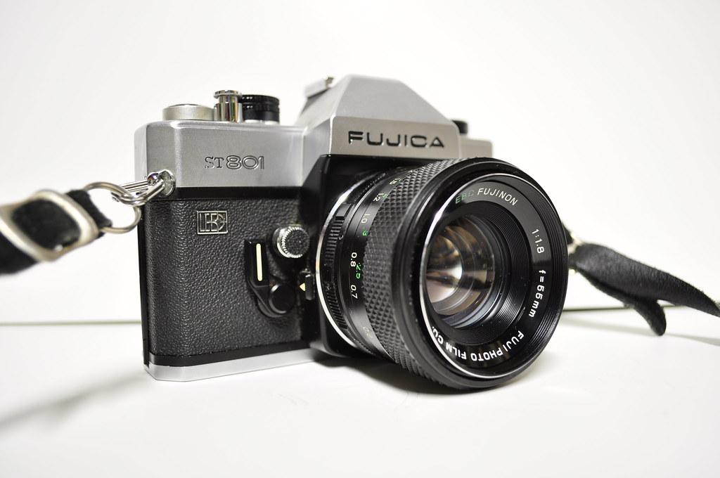 F/1.8 Fujinon 55mm Lens