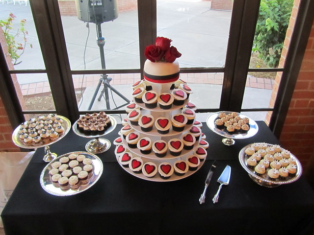 red black and white wedding cupcake table flickr