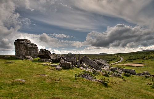Clouds gather over Bonehill Rocks | by rosiespoonerphotos