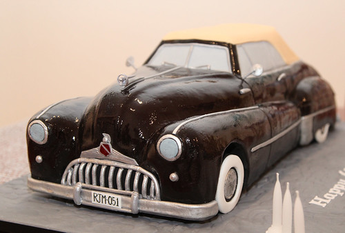 1948 Buick Roadmaster Convertible cake | by Creative Cakes by Julie